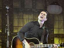 Emo chris carrabba of emo band dashboard confessional in december 2006 malvernweather Choice Image